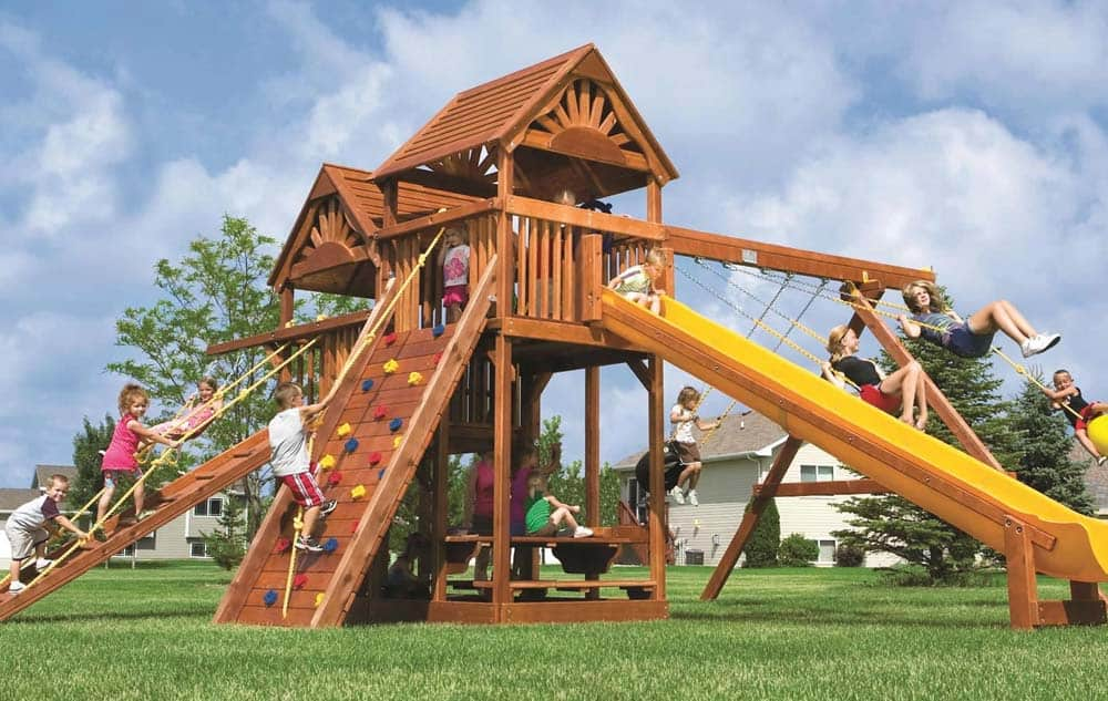King Kong Clubhouse Pkg II with Wooden Roof, Nicely Equipped (53B) 3